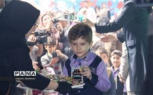 جشن غنچه ها و شکوفه ها در مدارس ابتدایی استان کردستان برگزار شد