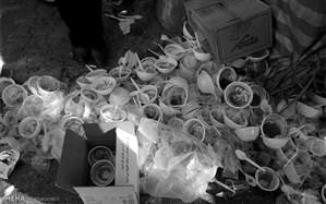 کاهش آلودگی محیط زیست با استفاده از ظروف برگشت پذیر به جای ظروف پلاستیکی در توزیع نذری