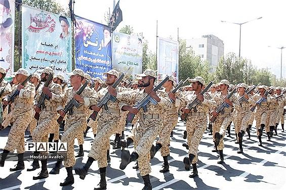 برگزاری مراسم رژه نیروهای مسلح در بیرجند