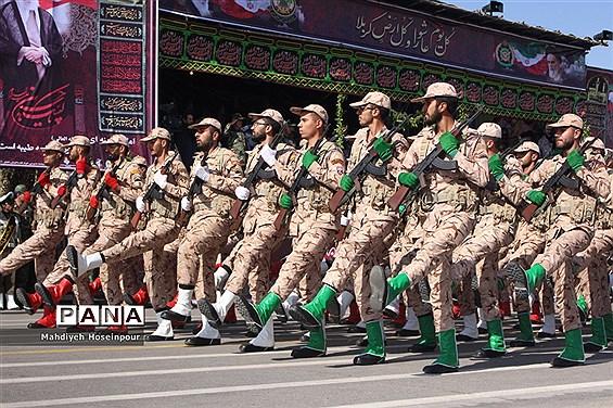 رژه نیروهای مسلح در تبریز