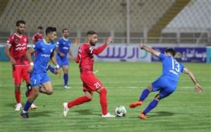 تیم فوتبال تراکتورسازی در ورزشگاه یادگار امام (ره) جشنواره گل به راه انداخت