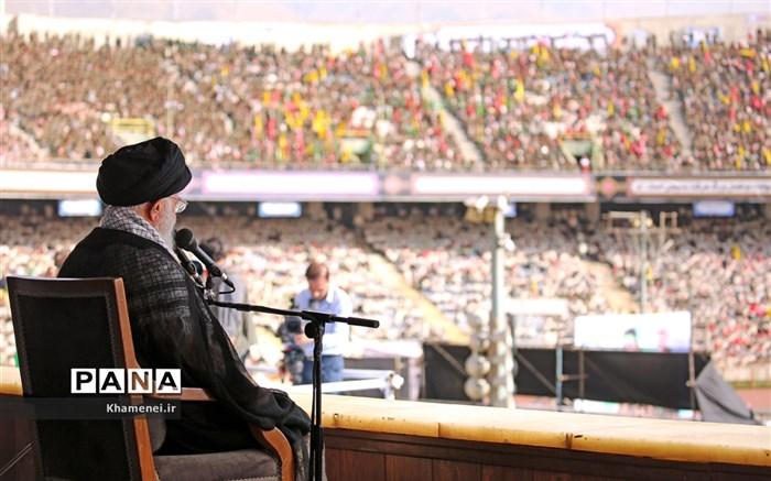 همایش بزرگ اقتدارعاشورایی بسیج و اجتماع باشکوه دهها هزارنفری بسیجیان در ورزشگاه آزادی