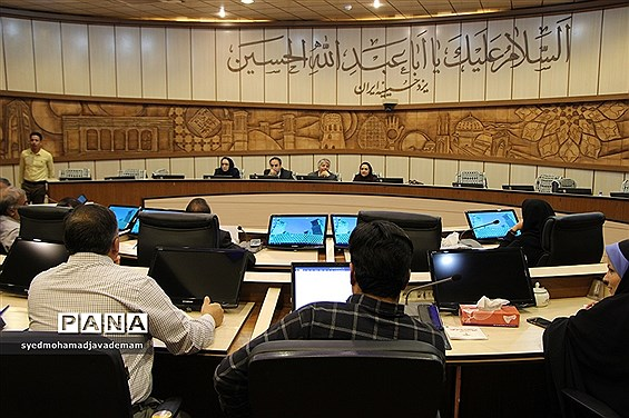 نشست خبری کمیسیون گردشگری و عمرانی شورا شهر