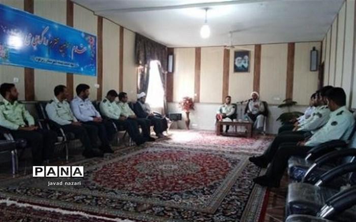 دیدار نیرو های انتظامی با امام جمعه