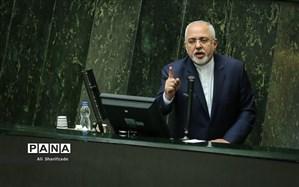 ظریف: سیاست قطعی ایران لغو تمام تحریمهاست، هیچ گام میانی را نمیپذیریم