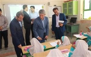 مدیر آموزش و پرورش شهرستان دشتستان   از مدارس بخش بوشکان بازدید کرد