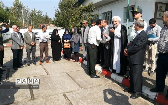 دیدار امام جمعه وجمعی از مسئولین منطقه لشت نشاءبا کارکنان  پاسگاه انتظامی این منطقه