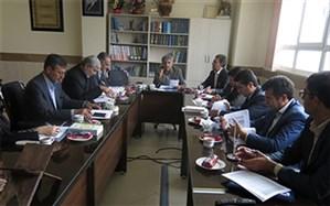 برگزاری نشست هم اندیشی  جهت تدوین آیین نامه اجرایی جدید برای مدارس استان چهارمحال و بختیاری