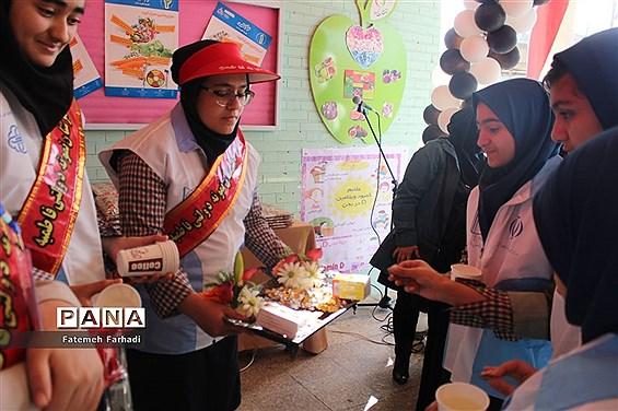 مراسم  افتتاح طرح آهن یاری و مکمل یاری ویتامین دی در مدارس آذربایجان شرقی