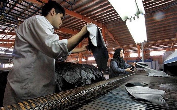 مدیرکل دفتر صنایع نساجی و پوشاک وزارت صنعت: ماشینآلات صنعت چرم نوسازی میشود