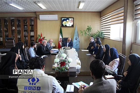 دیدار مدیرکل آموزش و پرورش آذربایجان غربی با نمایندگان مجلس دانش آموزی