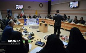 نشست خبری مسئول سازمان بسیج دانش آموزی سپاه عاشورا با اصحاب رسانه استان به مناسبت هفته بسیج دانش آموزی