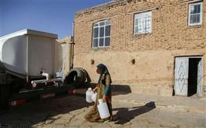 اهالی روستای احمد آباد دیواندره  امسال نیز  با کمبود آب آشامیدنی  دست پنجه نرم می کنند