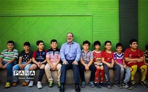 پاس گل وزیر آموزش و پروش به دانشآموزان فوتبالدوست