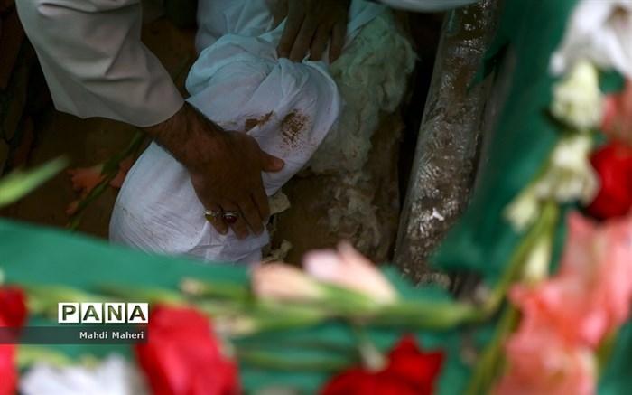 پیکر سید نورخدا موسوی در خرم آباد به خاک سپرده شد