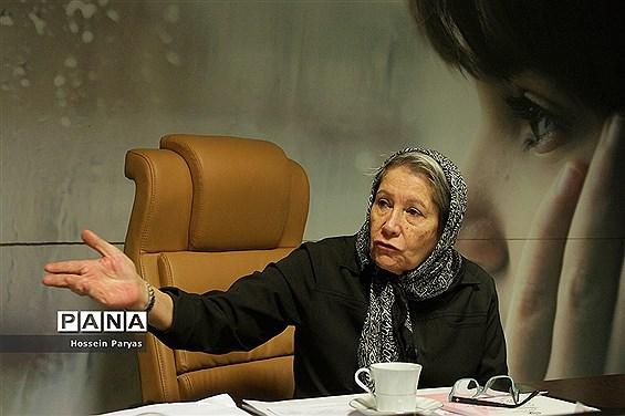 مصاحبه اختصاصی پانا با مینو محرز، رئیس مرکز تحقیقات ایدز ایران