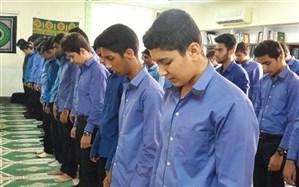 پنجمین برنامه از طرح پیوند مسجد و مدرسه در مسجد امام حسین (ع) زنجان برگزار شد