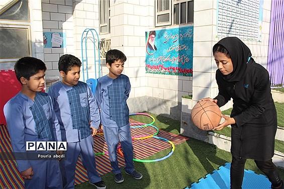 المپیاد ورزشی درون مدرسهای دبستان محمد بهمن بیگی بوشهر