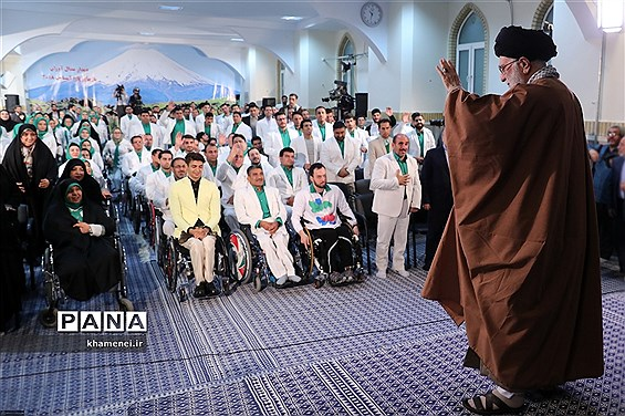 دیدار مدالآوران کاروان ورزشی ایران در بازیهای پاراآسیایی اندونزی با مقام معظم رهبری