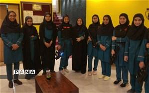 لحظات شاد و مفرح برای دانش آموزان دبیرستان دکتر شاهی