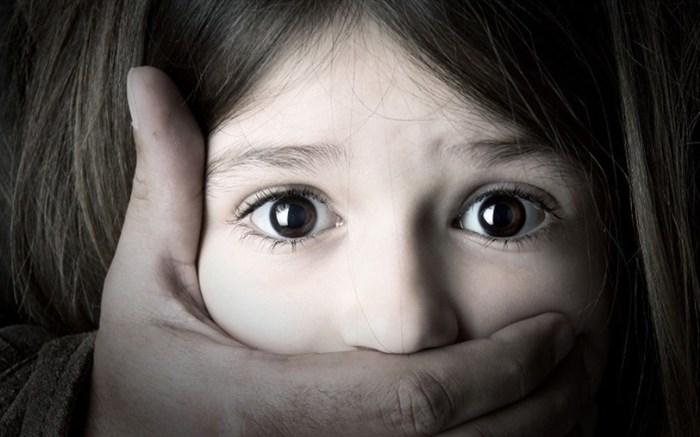 انتشار تصاویر تجاوز به کودکان، مصداق «کودکآزاری» است