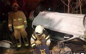 مصدومیت سه پسر نوجوان در حادثه واژگونی خودرو سواری
