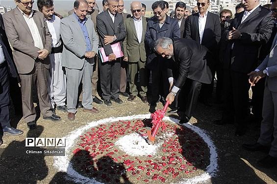 مراسم کلنگ زنی احداث مجتمع فرهنگی آموزشی بنیاد خیریه صدر هاشمی نژاد در سنندج