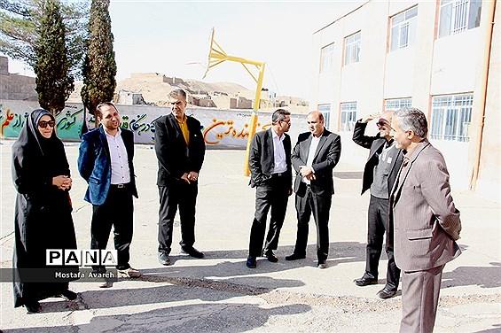 برنامهریزی بیستمین مانور سراسری زلزله و ایمنی در دبیرستان سلمان فارسی شهرستان بیرجند