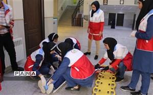 """بیستمین مانور زلزله و ایمنی با مشارکت تیمهای دادرس هلال احمر """"دانشآموز آماده در روزهای سخت"""" برگزارشد"""