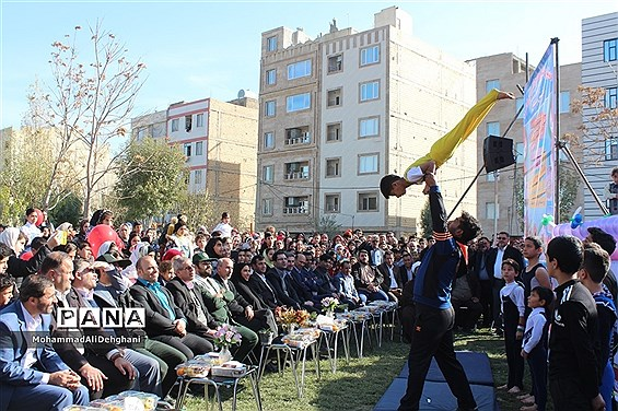 برگزاری جشنواره فرهنگی اجتماعی روستایی و عشایری شهرستان بهارستان