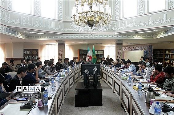 دیدار معاون حقوقی و امور مجلس آموزش و پرورش با اعضای اتحادیه انجمنهای اسلامی