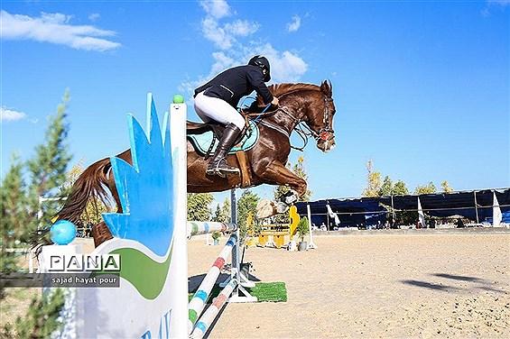 برگزاری مسابقات پرش با اسب قهرمانی استان قم