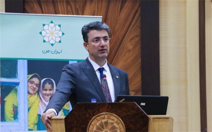 پدرام سلطانی: باید شکاف آموزشی بین مرکز و پیرامون را کم کنیم