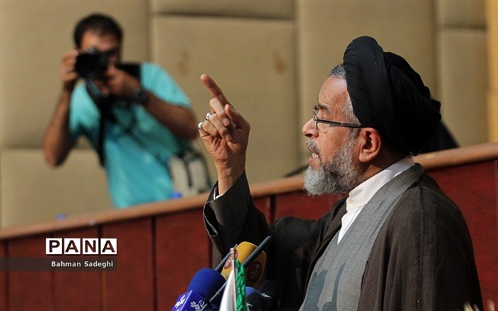 حضور وزیر اطلاعات در نهمین دوره مجلس دانش آموزی