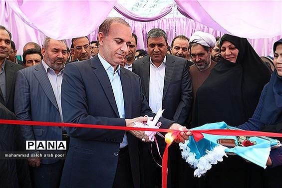 افتتاح نمایشگاه مدارس غیر انتفاعی با حضور مدیر کل مدارس غیر انتفاعی وزارت آموزش وپرورش