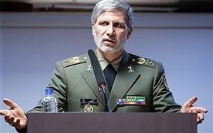 وزیر دفاع: دانشمندان ومتخصصان صنعت دفاعی کشور درخط مقدم مبارزه با استکبار هستند