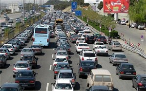 ترافیک آزاد راه کرج- تهران از پل کلاک تا گرمدره نیمه سنگین است