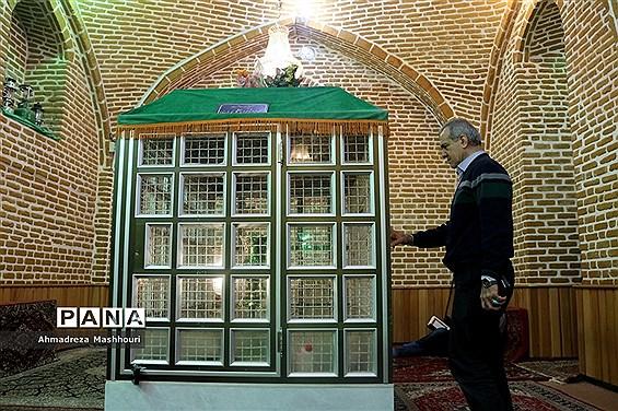 کوهپیمایی صمیمی اصحاب رسانه با مسعود پزشکیان در ارتفاعات عون بن علی تبریز