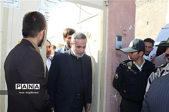 بازدید وزیر آموزش و پرورش از مدرسه حادثه دیده اسوه حسنه زاهدان