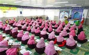 برگزاری محفل انس با قرآن با حضور قاری برتر کشور در دبیرستان حدادی مقدم رامسر