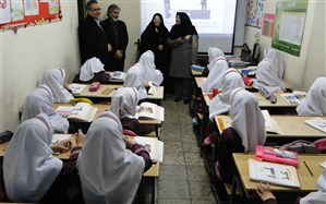 بازدید مدیر آموزش و پرورش منطقه 10  از دبستان شکوفه های انقلاب