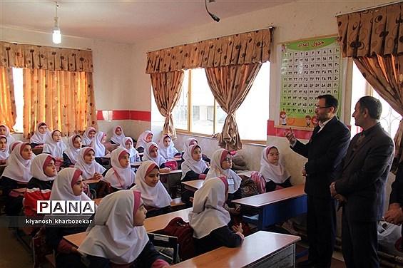 بازدید روسای ادارات قرآن، عترت و نماز شمالغرب کشور از مدرسه نیلوفر ناحیه یک ارومیه