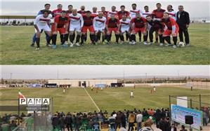 پیشکسوتان استقلال و پرسپولیس در ورزشگاه امیرکبیر نوشآباد