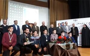 دانشآموزان پژوهنده در اختتامیه جشنواره پروفسور مریم میرزاخانی تجلیل شدند