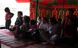 مدرسه سیار جوان مراکشی  دانش را به مناطق محروم می برد