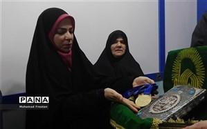 ملیپوش شیرازی  مدال های طلای خود را به آستان قدس رضوی اهدا کرد