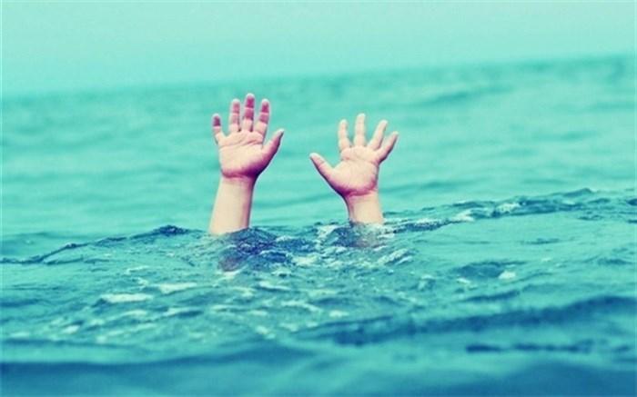 غرق شدن در استخر