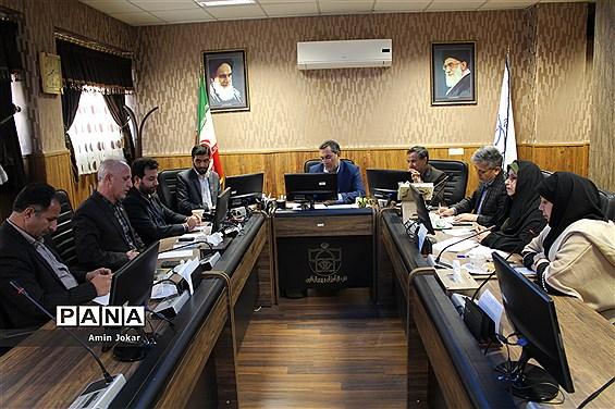 نخستین نشست شورای هماهنگی تشکلهای دانشآموزی استان فارس