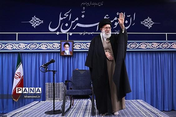 دیدار مردم قم با رهبر انقلاب اسلامی