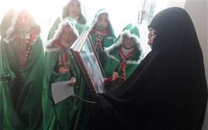 عطر قدرشناسی و حجاب در دیدار دانش آموزان پیشتاز و بسیجی مدرسه آل طه با خانواده شهید مدافع حرم پدیدار شد